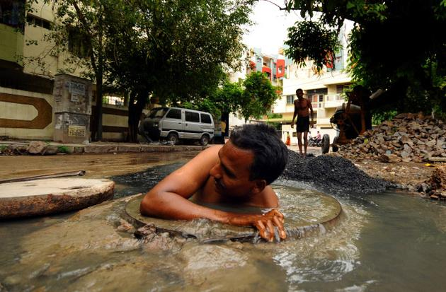 One more Sewer Death, Another Sanitation Worker dies cleaning Delhi drains