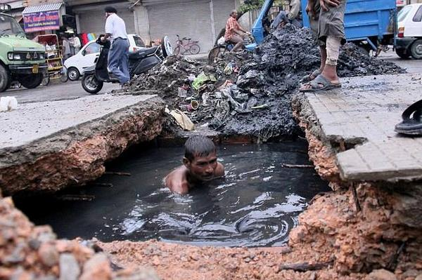 Blanket Ban on Manual Cleaning of Sewers