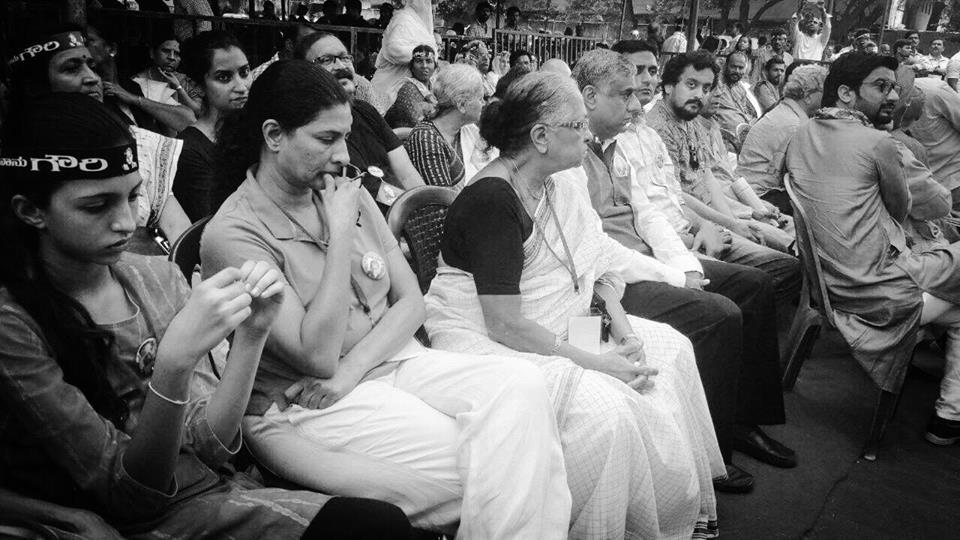 """Karnataka Turns Out to Embrace Gauri Lankesh, Warns Right Wing, """"No More"""""""