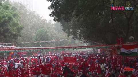 Historic Protest by Workers Begins in Delhi