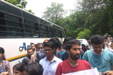 Students Marching Towards Home Ministry Against Insufficient Action on Kerala Floods Detained and Beaten Up