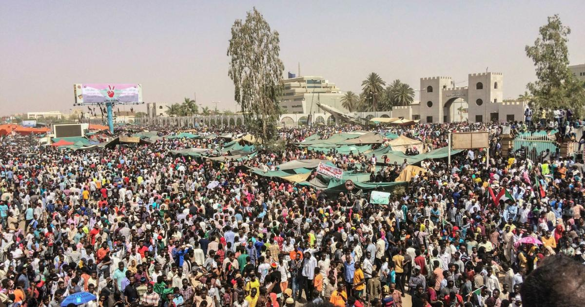 Two weeks after massacre, Sudanese set to reclaim the streets