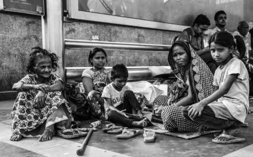 Is AIIMS Providing Sanitation Facilities? Ask the Families Living Outside its Gates