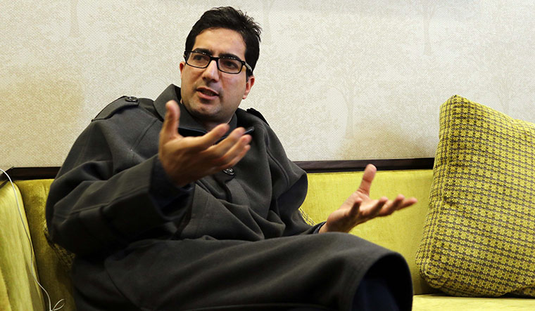 Over 120 Harvard University Faculty, Students Write to Indian Govt Seeking Release of Shah Faesal