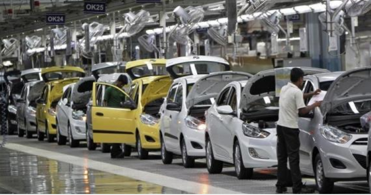Auto Sales See Sharpest Slump in 19 Years, 15,000 Workers Lose Jobs
