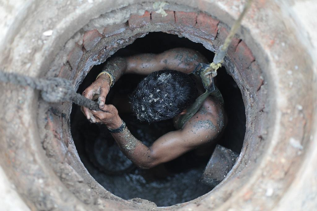 """""""No other Country sends People to Gas Chamber"""": SC on Sewer Deaths"""