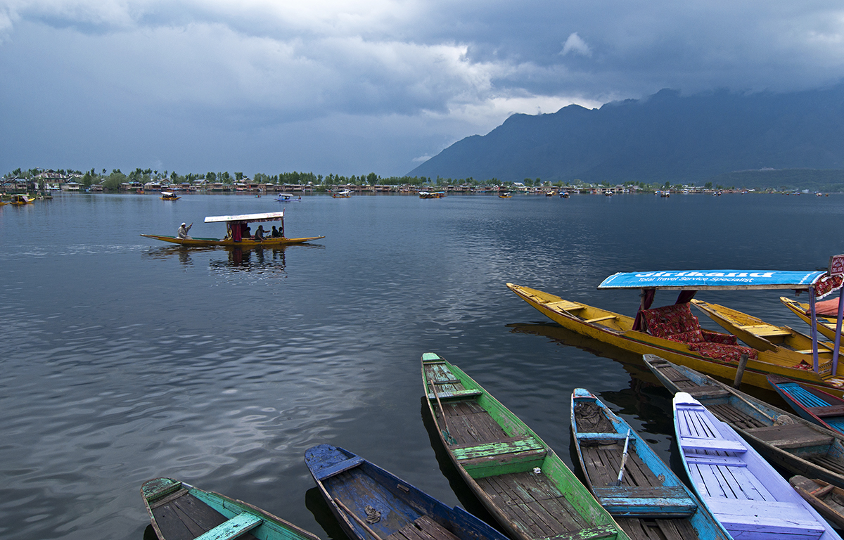 Tourism sector in Kashmir grapples with crisis