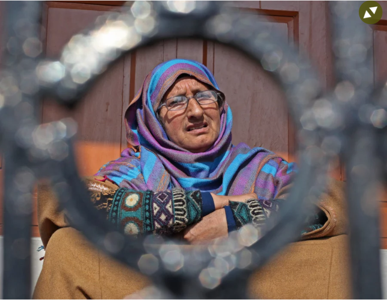 In Kashmir, mothers long for a glimpse of their sons